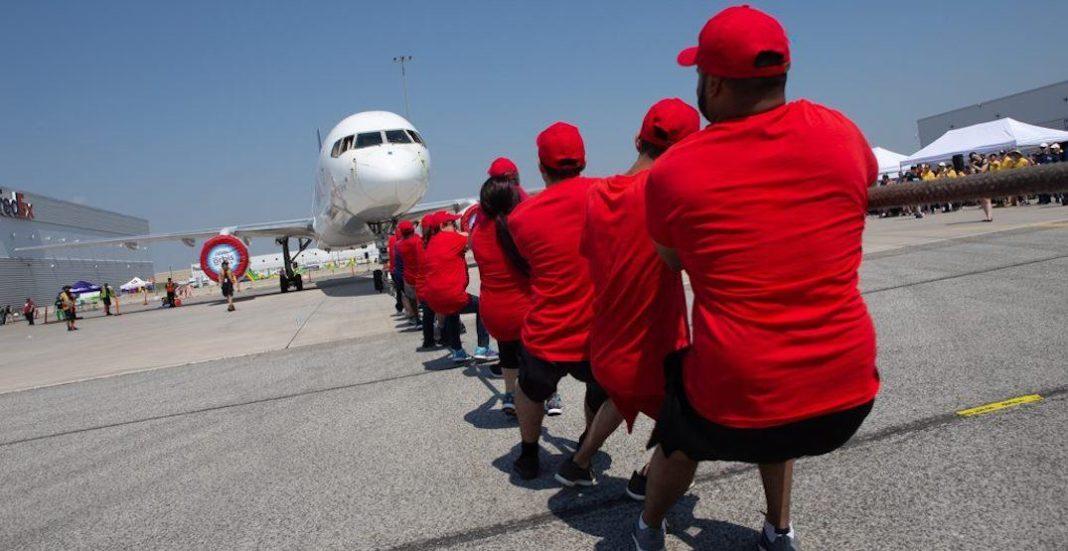 مسابقهی طنابکشی با هواپیما
